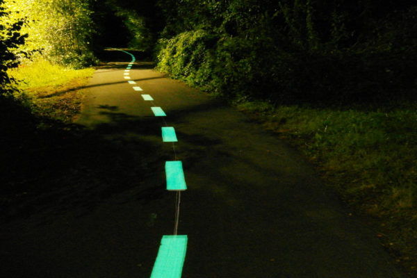 Piste cyclable photoluminescente LuminoKrom – OliKrom©