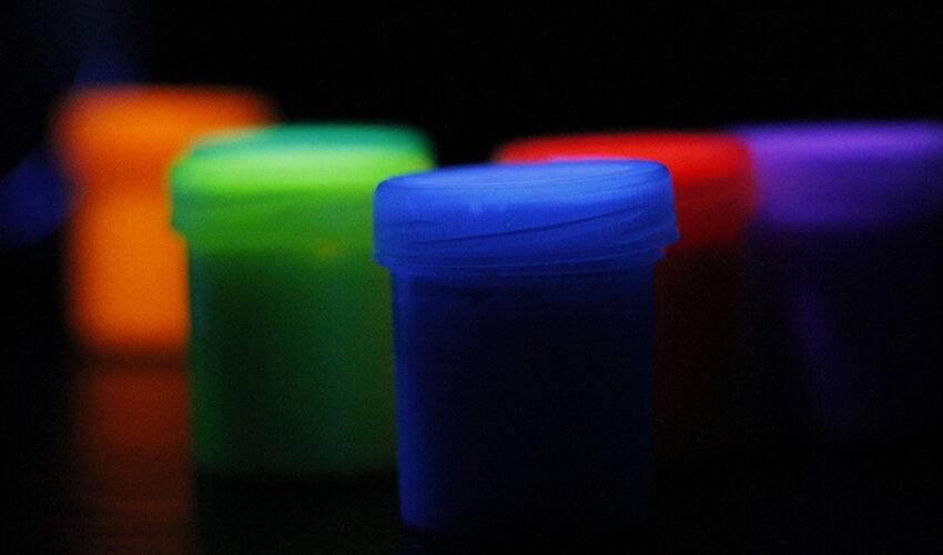 Peinture photoluminescente pour design intérieur
