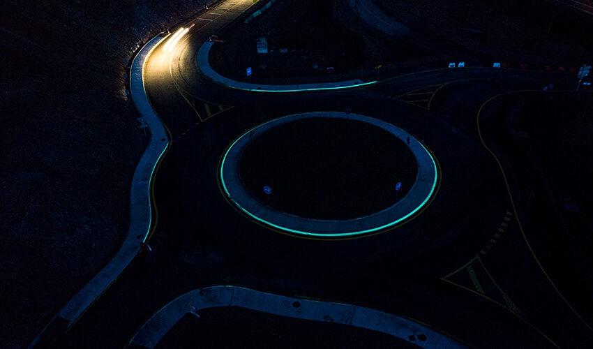 Marquage lumineux sur rond-point de Trivy (71)